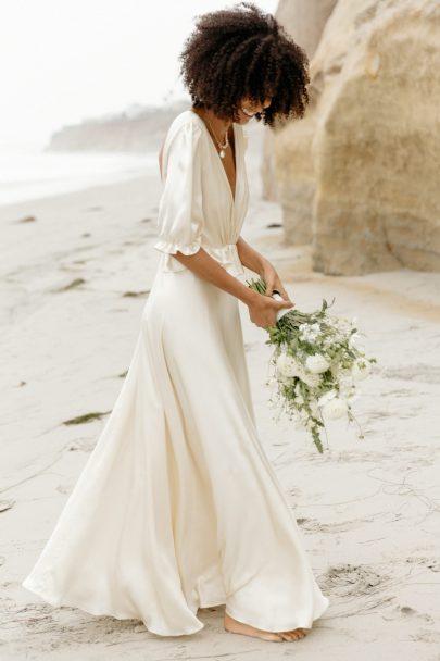 Essayer sa robe de mariée chez soi avec Christina Sfez - Try at home - Blog mariage : La mariée aux pieds nus