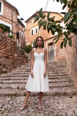 Maison Lemoine - Robes de mariée - Collection Mallorca mi amor - Photos : Marion Colombani - Blog mariage : La mariée aux pieds nus