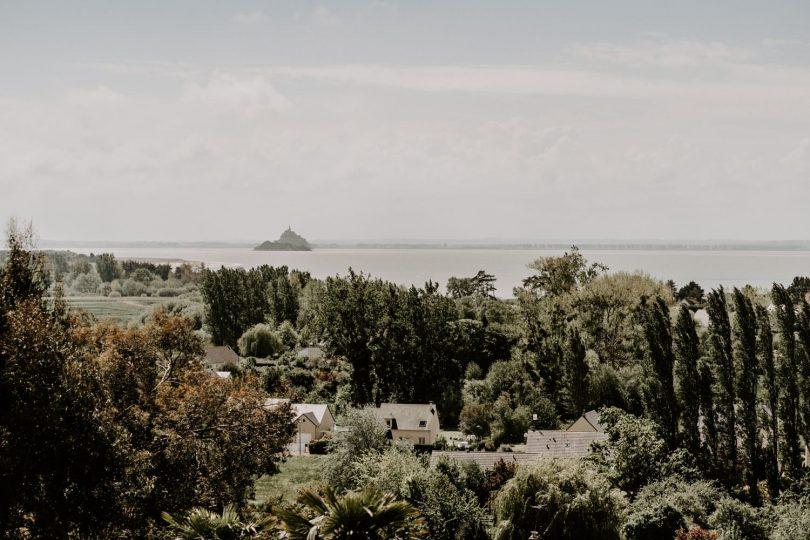Un mariage bohème en petit comité dans la baie du Mont Saint Michel - Photos : Dorothée Buteau - Blog mariage : La mariée aux pieds nus