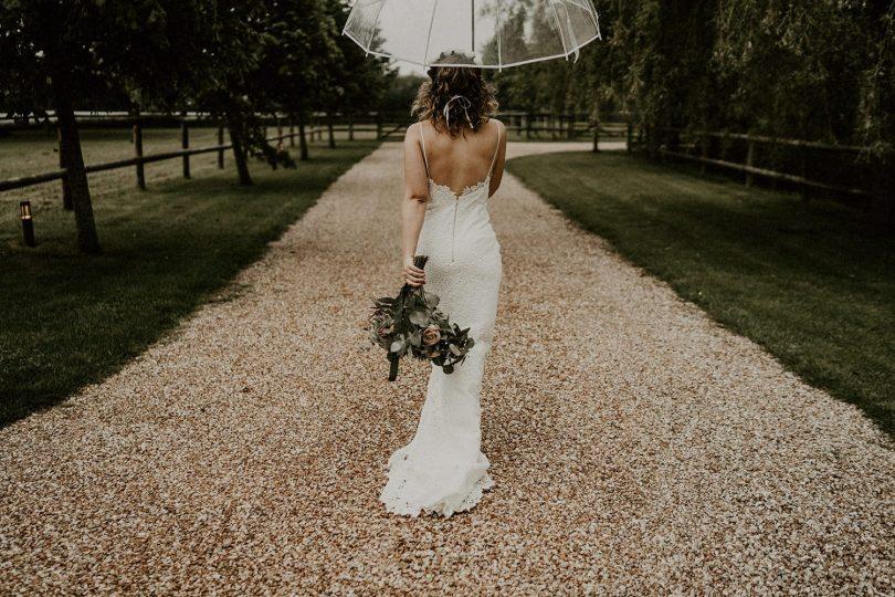 Un mariage sous la pluie au Domaine des Evis - Photos : Les Histoires d'A - Blog mariage : La mariée aux pieds nus