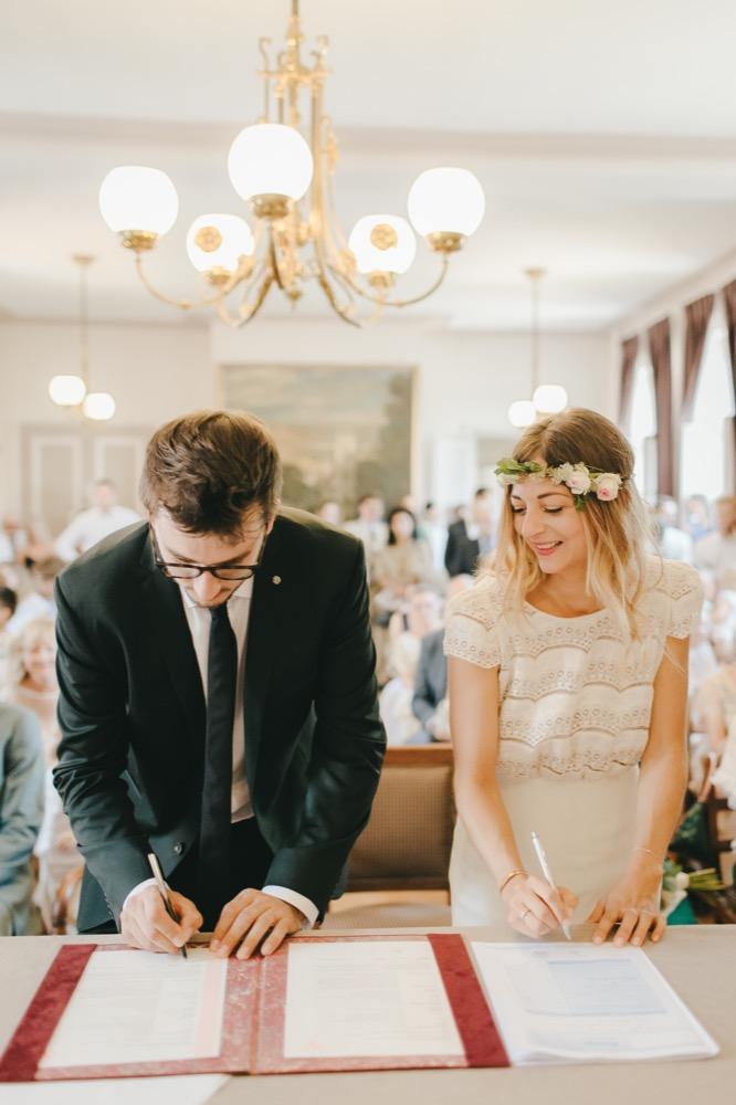 Les démarches administratives à effectuer avant de vous marier - La mariée aux pieds nus