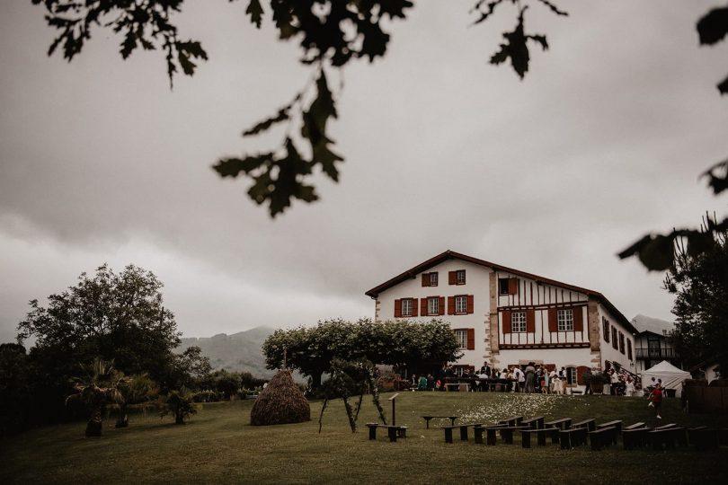 Un mariage au Domaine Au milieu des fougères – Ihartze Artea au Pays Basque - Photos : Patricia Hendrychova Estanguet - Blog mariage : La mariée aux pieds nus