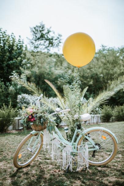 Un mariage coloré au Pays Basque - A découvrir sur www.lamarieeauxpiedsnus.com - Photos : Clément Minair
