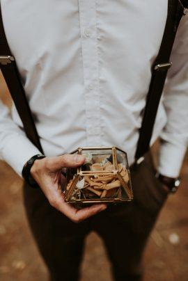 Un mariage romantique dans une forêt - Crédits Photos : Phan Tien Photography - Blog mariage : La mariée aux pieds nus.