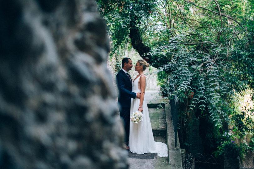 Un mariage en tout intimité sur la Riviera - Un mariage à découvrir sur www.lamarieeauxpiedsnus.com - Photos Ingrid Lepan / Organisation : Wanderlust Wedding / Décoration : D'amour et de déco