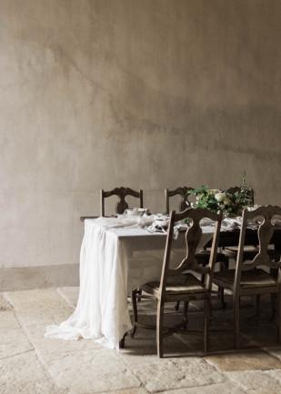 Comment choisir le lieu de réception de son mariage ? -Découvrez nos conseils et nos astuces sur le blog mariage www.lamarieeauxpiedsnus.com