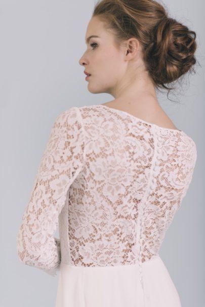 La mariée aux pieds nus - Photo : Elodie Timmermans Robe de mariée Oh Oui - Atelier Anonyme - Modele Leona