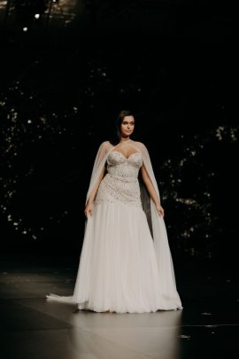 Pronovias - Robes de mariée - Collection 2020 - Défilé de Barcelone - Photographe : Baptiste Hauville - A découvrir sur le blog mariage : La mariée aux pieds nus