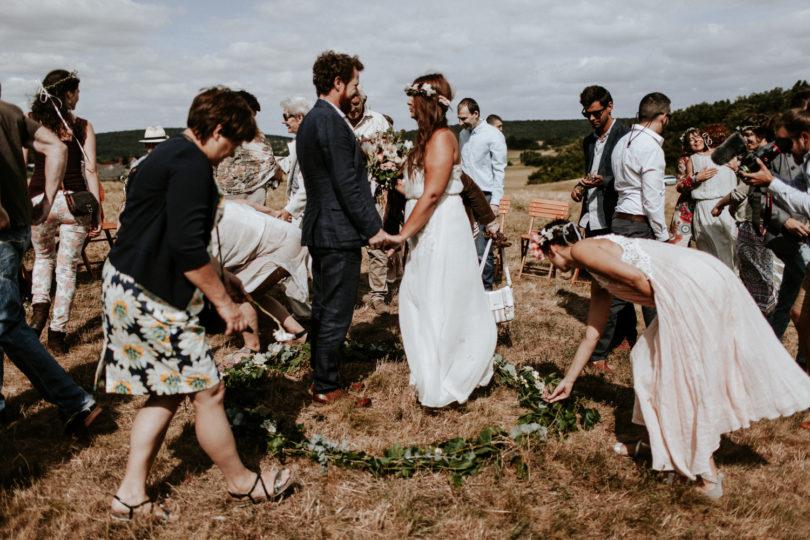 7 idées de rituels pour votre cérémonie de mariage laique - A découvrir sur le blog mariage www.lamarieeauxpiedsnus.com - Photos : Pinewood Weddings