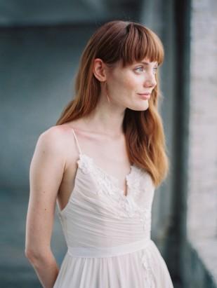 Découvrez sur le blog mariage www.lamarieeauxpiedsnus.com la collection 2017 de robes de mariée de Truvelle - Modele : Cordova