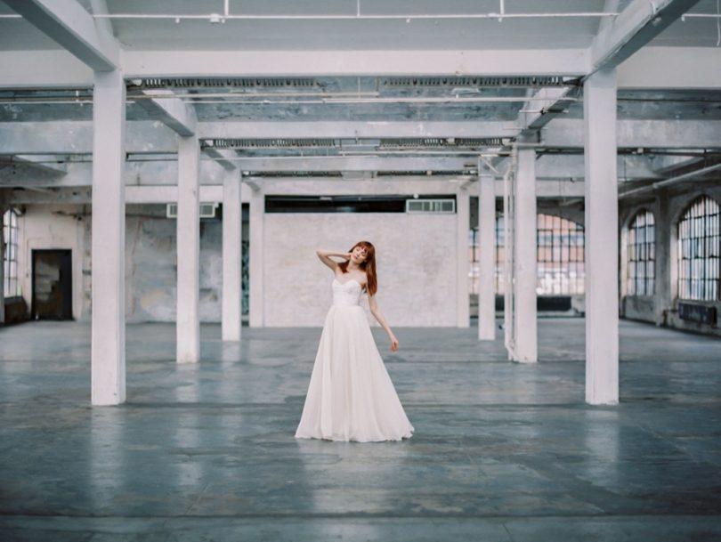 Découvrez sur le blog mariage www.lamarieeauxpiedsnus.com la collection 2017 de robes de mariée de Truvelle - Modele : Georgia