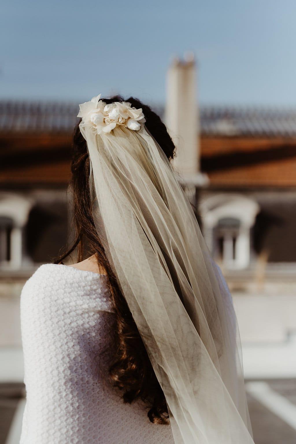 Voiles de mariée en fleurs - L'amoureuse by Ingrid Fey et les Fleurs Dupont - Photo Anaïs Nannini