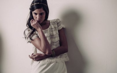 Laure de Sagazan - Collection de robes de mariée - Cérémonie civile - 2016 - A découvrir sur le blog mariage www.lamarieeauxpiedsnus.com - Photos : Laurent Nivalle