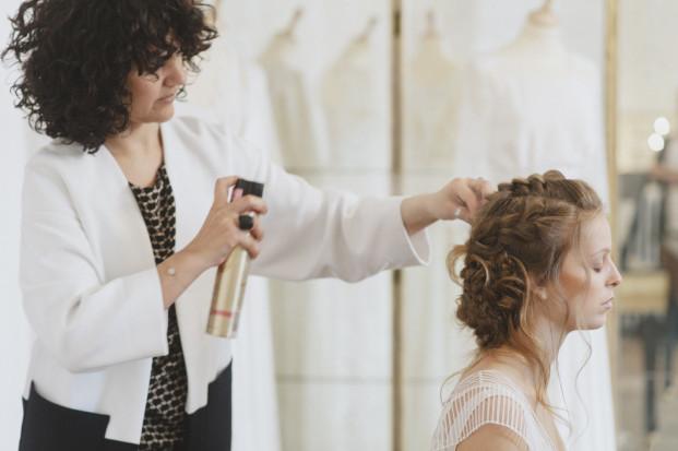 lovely-pics-diy-coiffure-de-mariee-tressee-la-mariee-aux-pieds-nus-blog-mariage51
