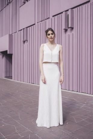Mademoiselle de Guise - Robe de mariée - Collection 2017 - A découvrir sur le blog mariage www.lamarieeauxpiedsnus.com - Modele : Leonie