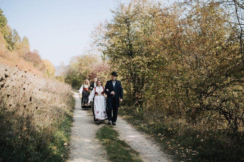 Un mariage au Morimont en Alsace - Photos : Neupap Photography - Blog mariage : La mariée aux pieds nus