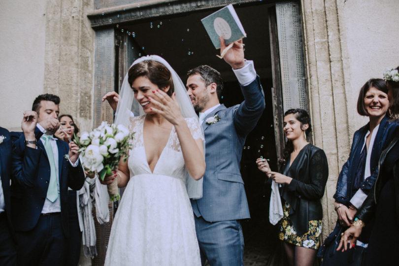 Un mariage en vert et blanc au Domaine de Blanche Fleur près d'Avignon - A découvrir sur le blog mariage www.lamarieeauxpiedsnus.com - Photos : Lorenzo Accardi