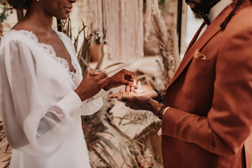 Un mariage bohème au Clos des Charmes dans le Périgord - Photos : Coralie Terrée - Blog mariage : La mariée aux pieds nus