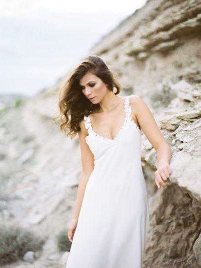 Une mariée dans le désert - L a mariée aux pieds nus - Photos : Kiss and chips