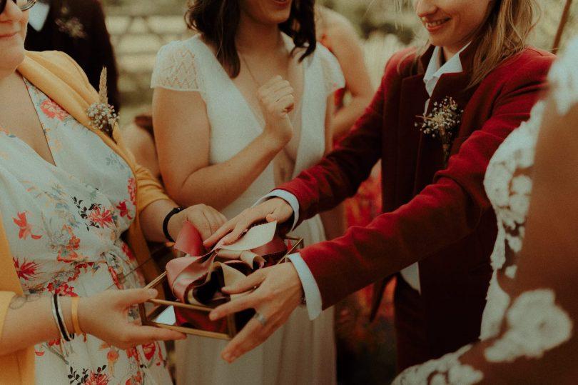 Un mariage simple et bohème en Normandie - Photos : Vanessa Madec - Blog mariage : La mariée aux pieds nus