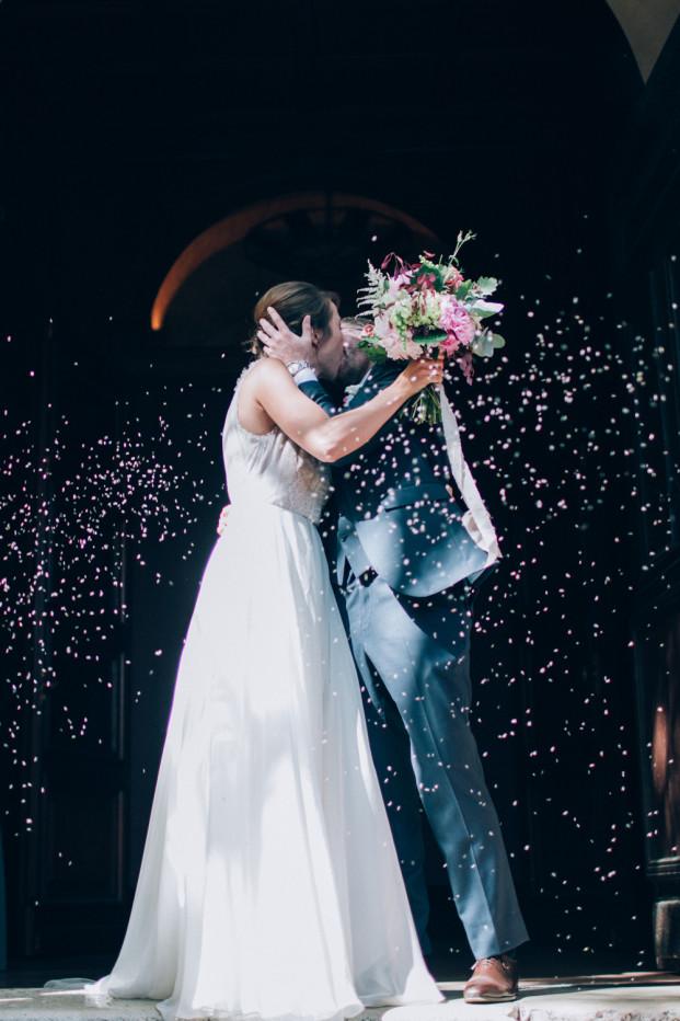 Un mariage bohème à Bormes-les-Mimosas - A découvrir sur www.lamarieeauxpiedsnus.com - Stylisme : Atelier Blanc - Photos : Ingrid Lepan