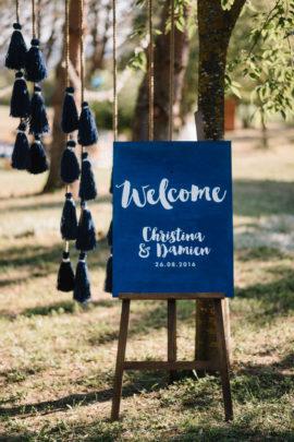 Un mariage Boho en bleu - A découvrir sur le blog mariage www.lamarieeauxpiedsnus.com - Photos : Chloé Lapeyssonnie