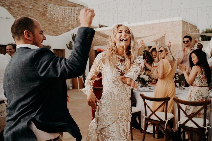 Un mariage boho à Ibiza - Photos : The Quirky - Blog mariage : La mariée aux pieds nus.