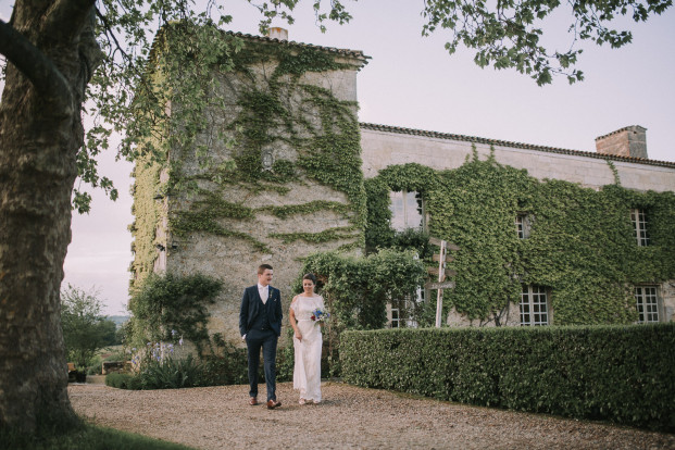 Un mariage champêtre au Château Rigaud dans le Bordelais - A découvrir sur le blog mariage www.lamaireeauxpiedsnus.com - Photos : Stephen Liberge