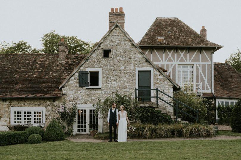 Un mariage champêtre à La Dîme de Giverny en Normandie - Photos : Madame B Photographie - Blog mariage : La mariée aux pieds nus