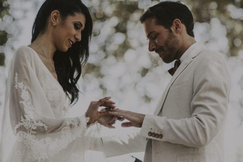 Un mariage champêtre en vert et blanc aux Domaines de Patras en Provence - A découvrir sur le blog mariage www.lamarieeauxpiedsnus.com - Photos : Lorenzo Accardi