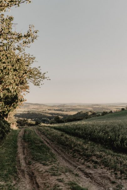 Un mariage champêtre au Château de Bois Rigaud en Auvergne - Photos : Clarisse et Johann - Blog mariage : La mariée aux pieds nus