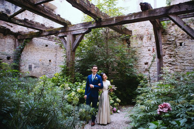 Un mariage coloré à l'Abbaye de Camon - Toulouse - A découvrir sur le blog mariage www.lamarieeauxepidsnus.com - Photos : Floriane Caux