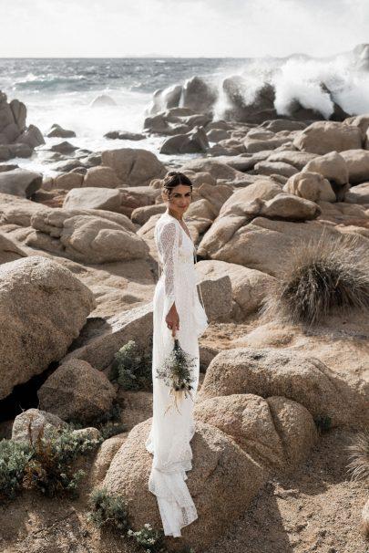 Un mariage sur une plage en Corse - Photos : Julien Navarre - Blog mariage : La mariée aux pieds nus