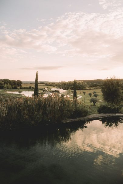 Un mariage aux Domaines de Patras en Provence - Photographe : Les Bandits - Blog mariage : La mariée aux pieds nus