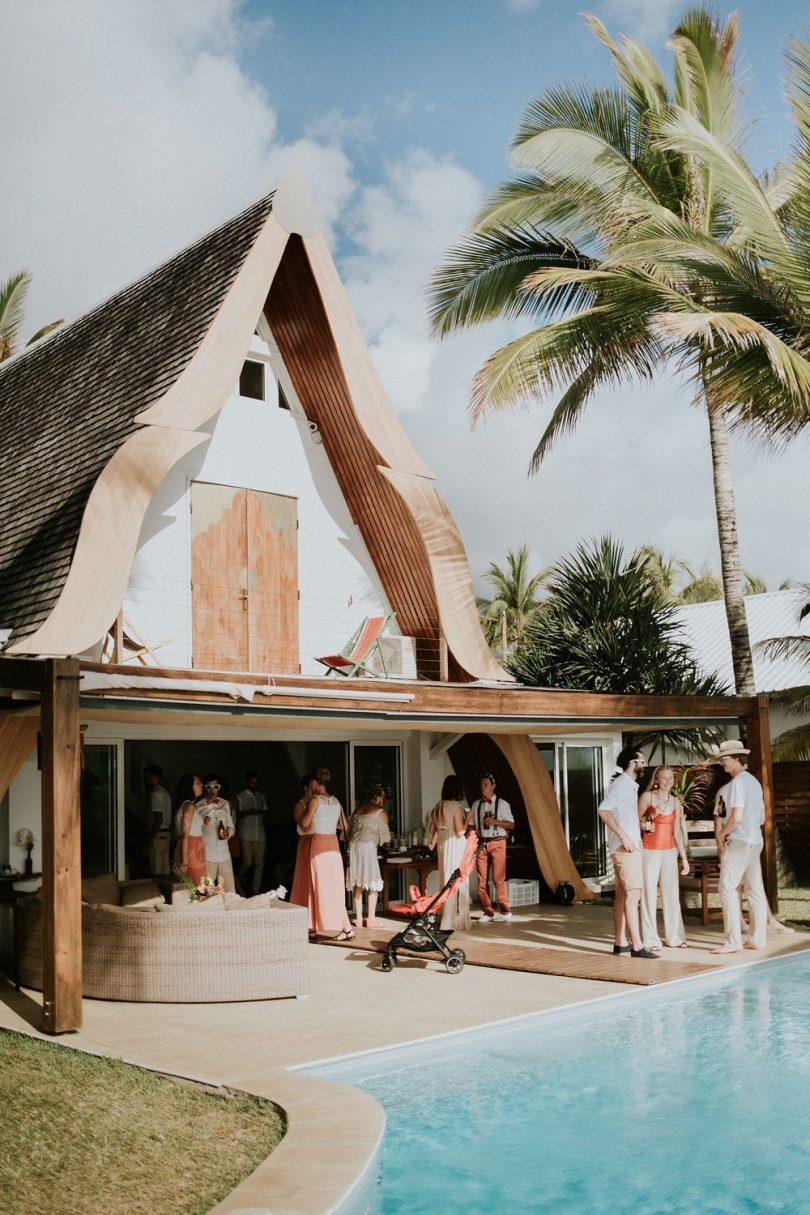 Un mariage éco-responsable en petit comité à La Réunion - Photos : Photography by Chloé - Blog mariage : La mariée aux pieds nus