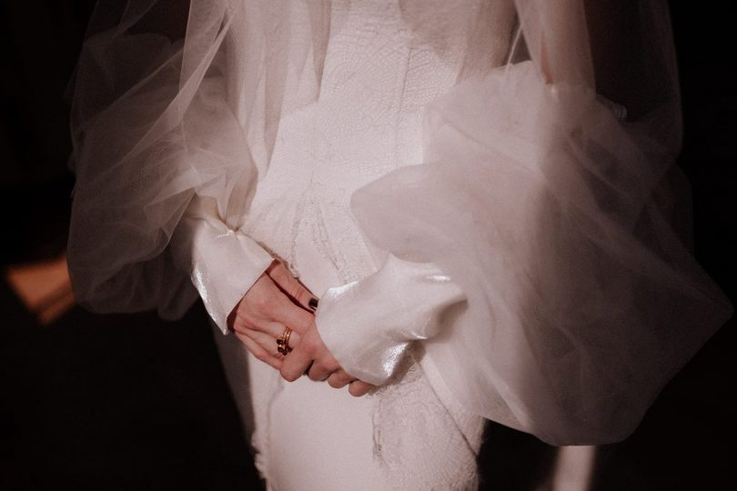 Un mariage élégant au Château de Carsix en Normandie - Photos : Lika Banshoya - Blog mariage : La mariée aux pieds nus