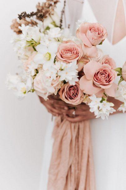 Un mariage épuré et minimaliste - Blog mariage : La mariée aux pieds nus - Photos : Chloé Lapeyssonnie