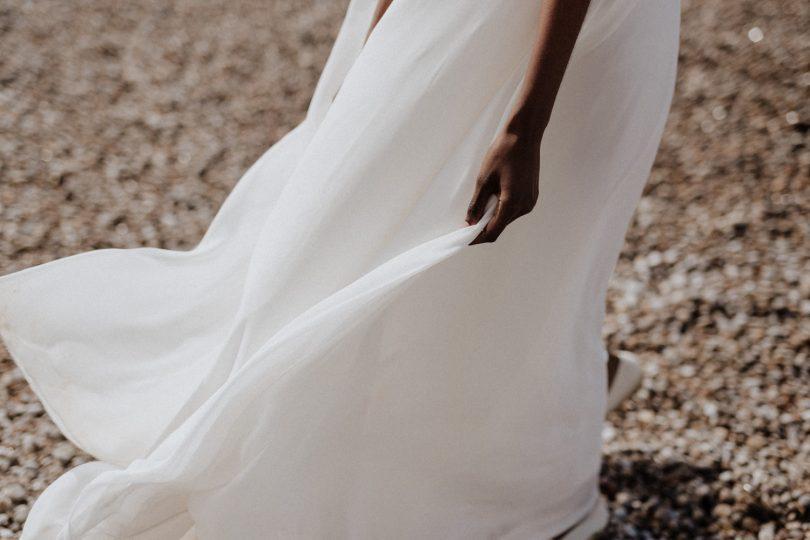 Un mariage wabi sabi au pied des falaises d'Etretat - Photos : Lika Banshoya - Design : Artis - Blog mariage : La mariée aux pieds nus