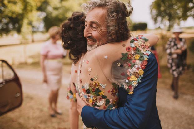 Un mariage irano-franco-allemand coloré et champêtre à découvrir sur le blog mariage www.lamarieeauxpiedsnus - Photos : Jérémy Boyer