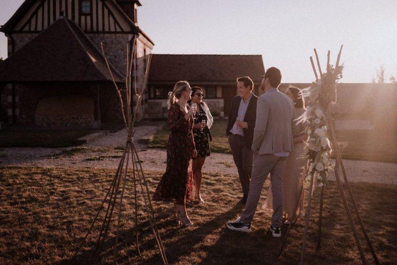 Un mariage à la Grange de Renneville en Normandie - Photos : Lika Banshoya - Blog mariage : La mariée aux pieds nus