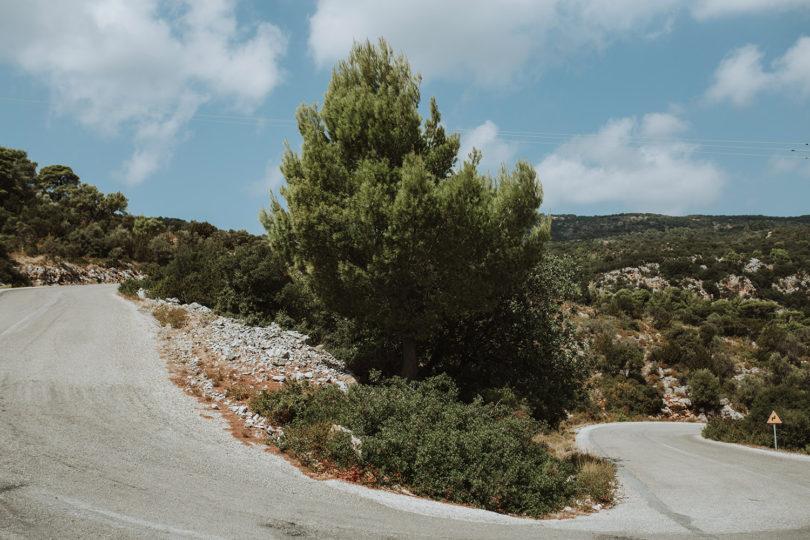 Un mariage en vert et blanc sur l'ile d'Alonnisos en Grece - A découvrir sur le blog mariage www.lamarieeauxpiedsnus.com - Photos : Days made of love
