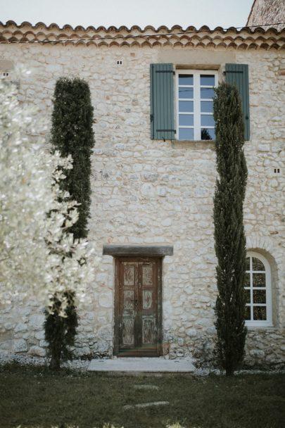 Un mariage contemporain à la villa La Cavalerie - Photos / Video : Soulpics - Design : Atelier Blanc - Blog mariage : La mariée aux pieds nus
