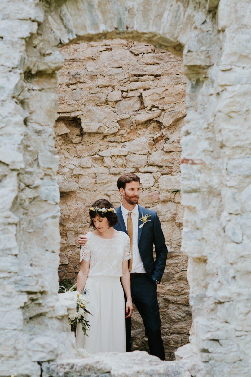 Un mariage au Morimont en Alsace - Photos : Photography by Chloé - Blog mariage : La mariée aux pieds nus