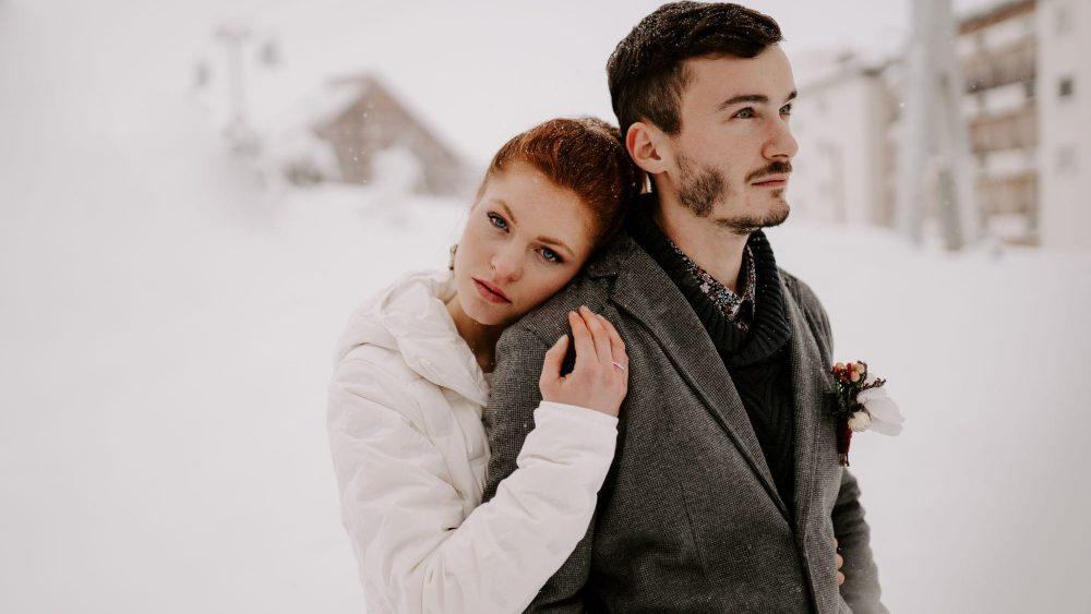 Un mariage sous la neige à la montagne - Photos : Bel Esprit - Blog mariage : La mariée aux pieds nus