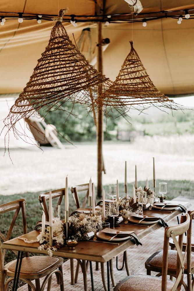 Un mariage nomade chic au Clos de Jac en Provence - Photos : Lorenzo Accardi - Blog mariage : La mariée aux pieds nus