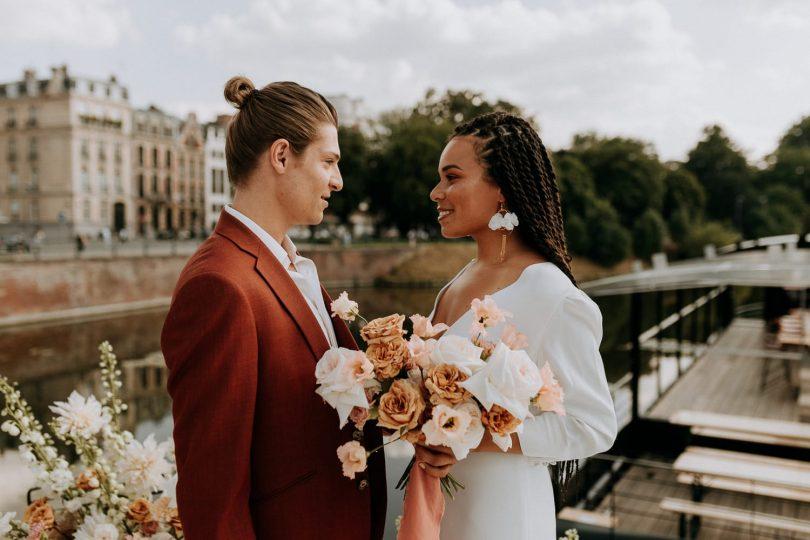 Un mariage en petit comité sur une péniche à Lille - Photographe : Anaïs Bizet - Blog mariage : La mariée aux pieds nus