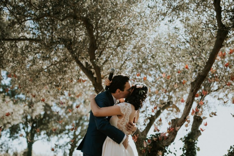 Un mariage au Domaine de Villary près de Nimes - Photos : Phan Tien Photography - Blog mariage : La mariée aux pieds nus