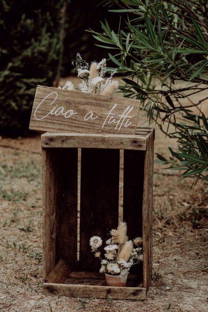 Un mariage bohème près d'Avignon en Provence - Photos : Alexandra Maldémé - Organisation et décoration : Artis Evenement - Blog mariage : La mariée aux pieds nus