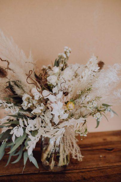 Un mariage bohème en Provence - Photos : Alexandra Maldémé - Organisation et décoration : Artis Evenement - Blog mariage : La mariée aux pieds nus