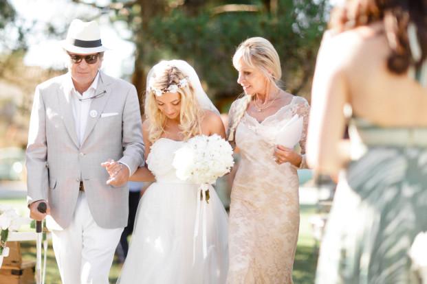 Xavier Navarro - Un mariage champetre chic en Provence - La mariee aux pieds nus